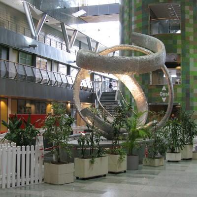 joseph-cals-projects-sculptures-hospital