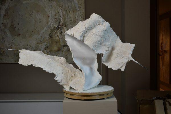 joseph-cals-recent-swan-50x75x25cm-plaster-steel